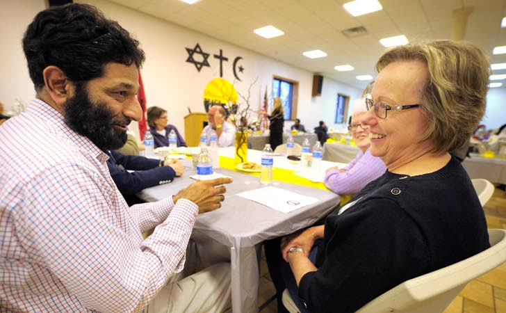 Faiths come together at Kenosha mosque
